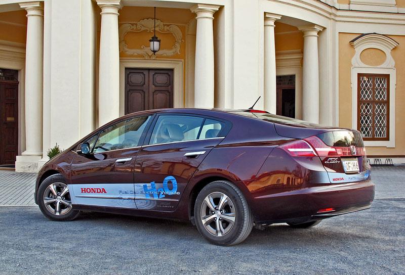 Za volantem: Honda FCX Clarity: - fotka 21
