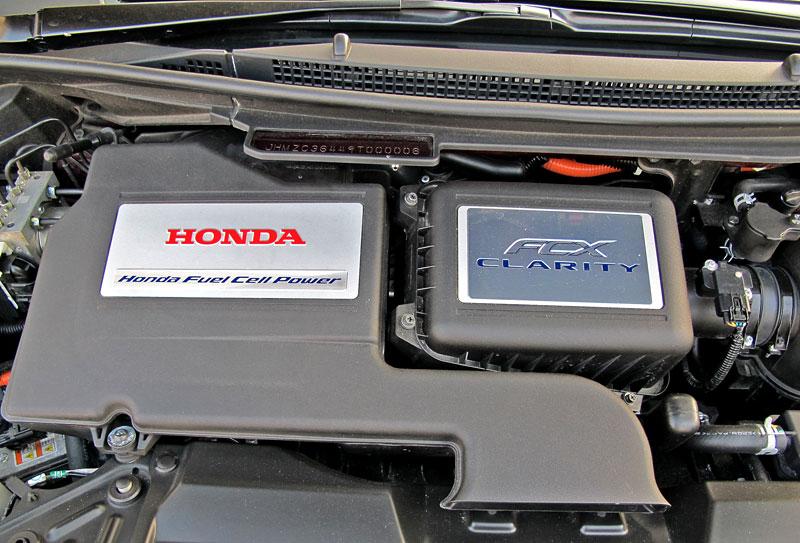 Za volantem: Honda FCX Clarity: - fotka 24