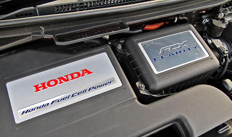 Za volantem: Honda FCX Clarity: - fotka 25