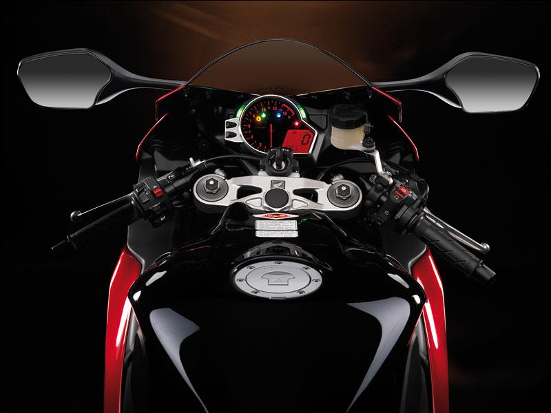 Servisní kampaň motocyklů Honda 2008: - fotka 3