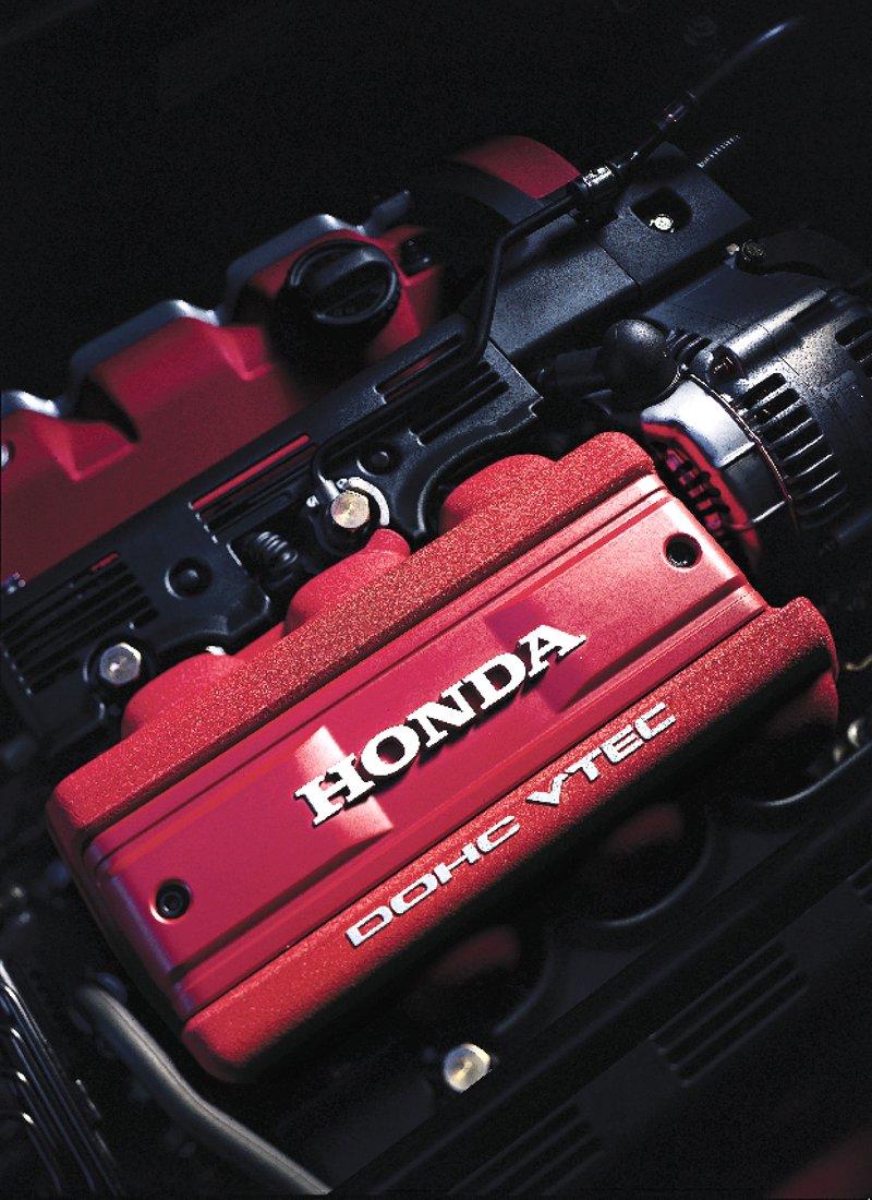 Pod Lupou: Honda NSX – supersport ze země vycházejícího slunce: - fotka 45