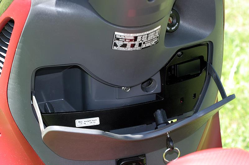 Test: Honda PS125i - moderna nebo retro?: - fotka 4