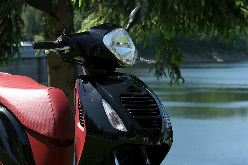 Test: Honda PS125i - moderna nebo retro?: - fotka 26