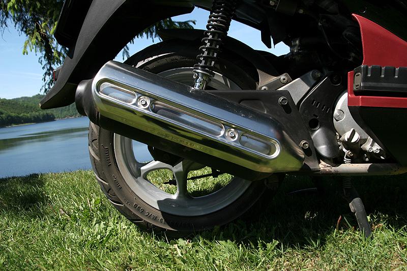 Test: Honda PS125i - moderna nebo retro?: - fotka 27