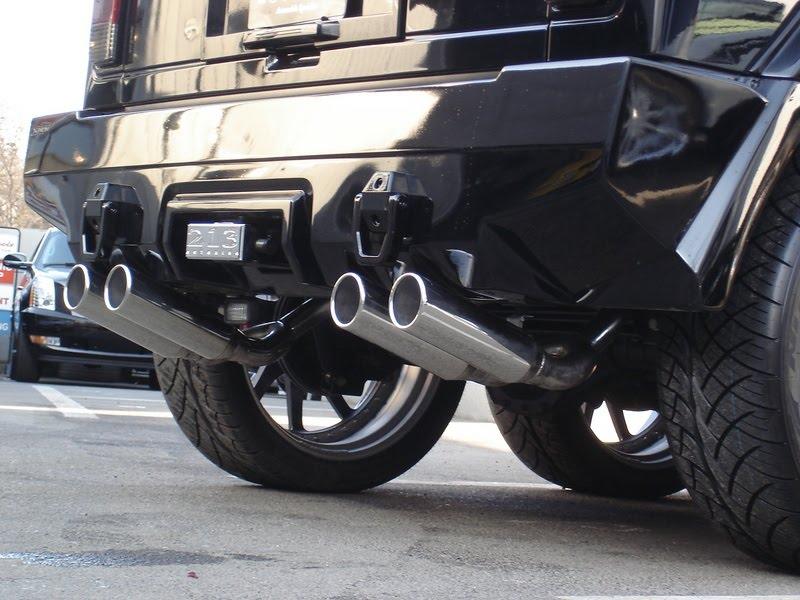 Tuning z Japonska: šestikolový Hummer H2: - fotka 13