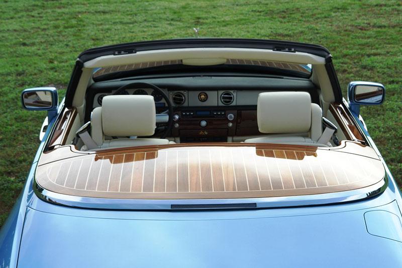 Pininfarina Hyperion - zaoblený Drophead Coupe pro dva: - fotka 1