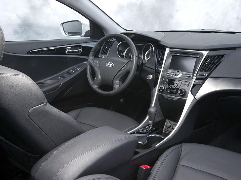 Hyundai Sonata: čtyřdveřové korejské kupé: - fotka 4