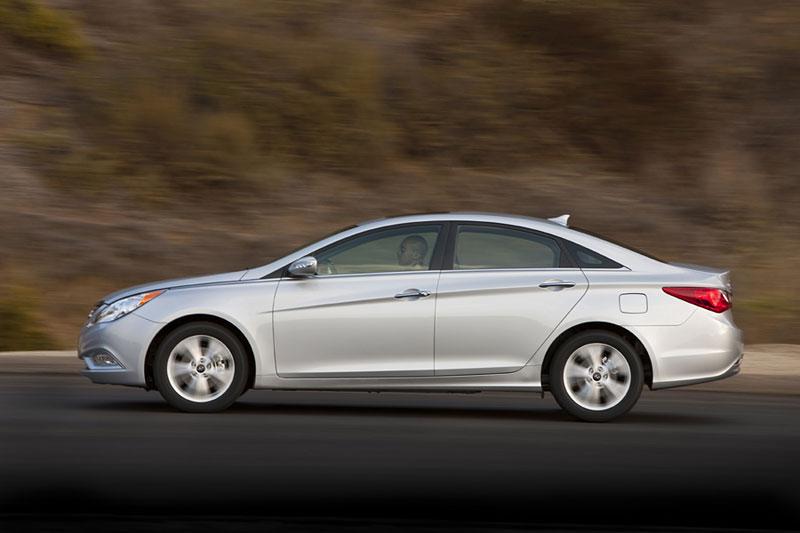 Hyundai Sonata: čtyřdveřové korejské kupé: - fotka 24