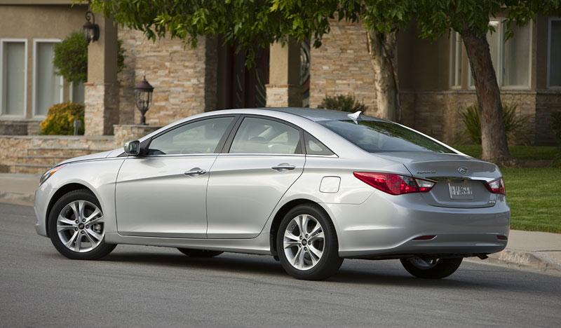 Hyundai Sonata: čtyřdveřové korejské kupé: - fotka 28