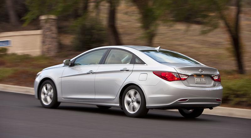 Hyundai Sonata: čtyřdveřové korejské kupé: - fotka 30