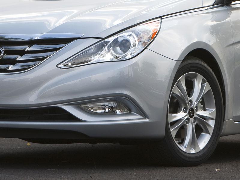 Hyundai Sonata: čtyřdveřové korejské kupé: - fotka 34