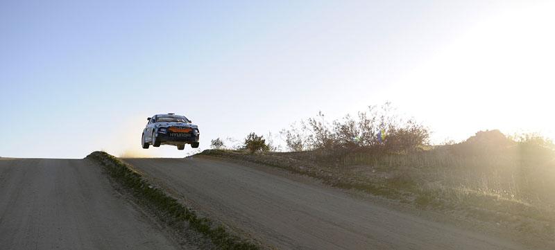 Chicago 2011: Hyundai Veloster - 500koňový rallyeový speciál: - fotka 6