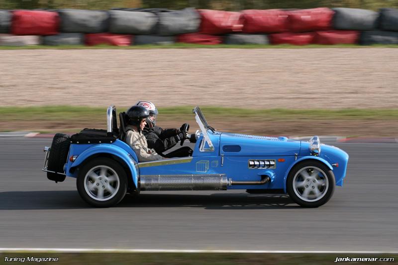 Sraz klubu sportovních aut v Mostě - fotogalerie: - fotka 17