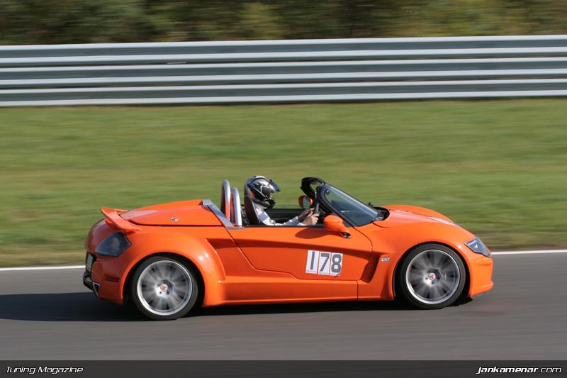 Sraz klubu sportovních aut v Mostě - fotogalerie: - fotka 38