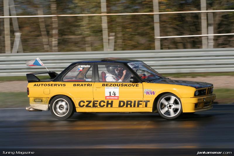Sraz klubu sportovních aut v Mostě - fotogalerie: - fotka 121