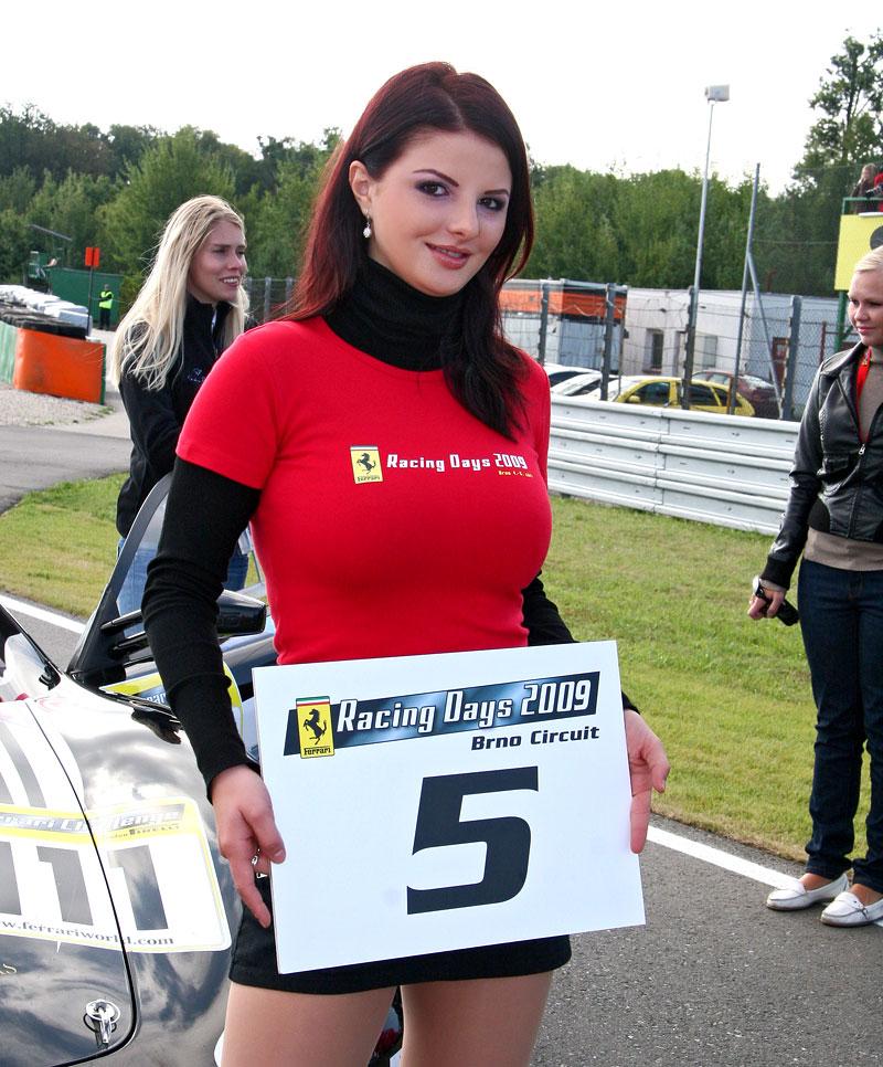 Ferrari Racing Days Brno 2009 - BABES: - fotka 6