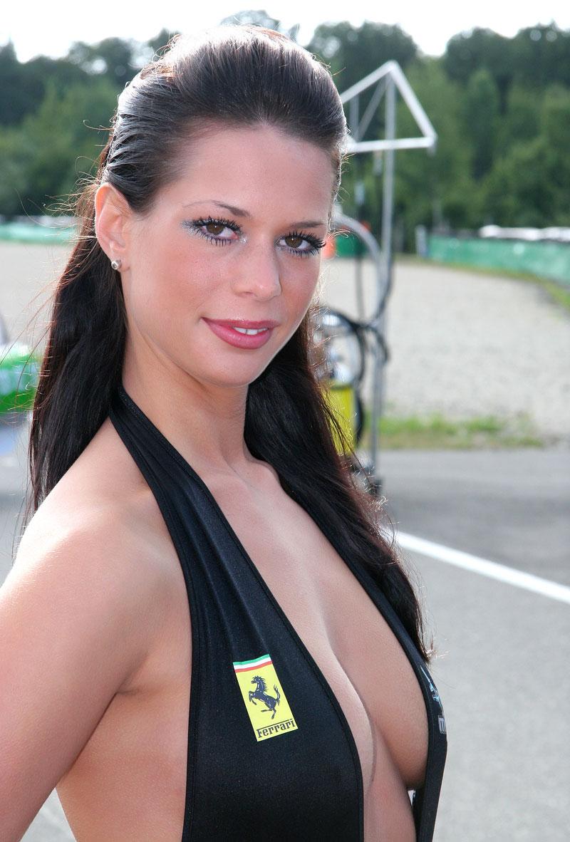 Ferrari Racing Days Brno 2009 - BABES: - fotka 7