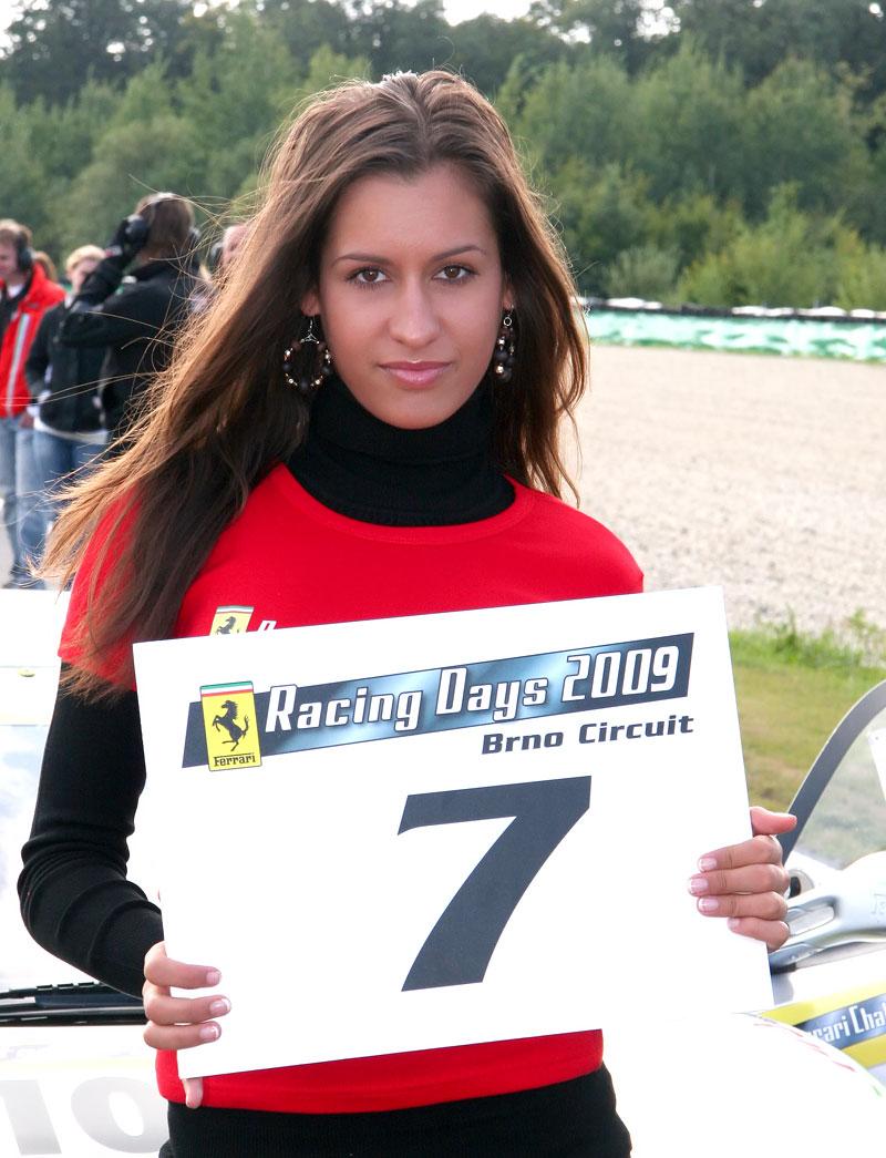 Ferrari Racing Days Brno 2009 - BABES: - fotka 9