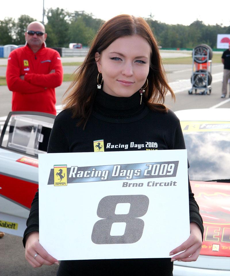 Ferrari Racing Days Brno 2009 - BABES: - fotka 10