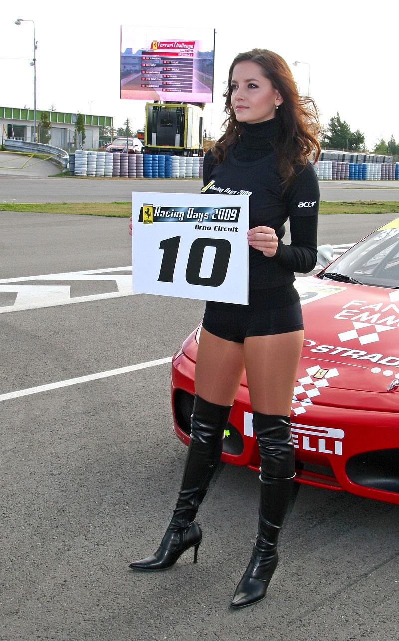 Ferrari Racing Days Brno 2009 - BABES: - fotka 13