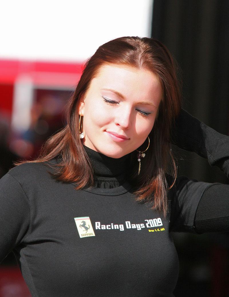 Ferrari Racing Days Brno 2009 - BABES: - fotka 26