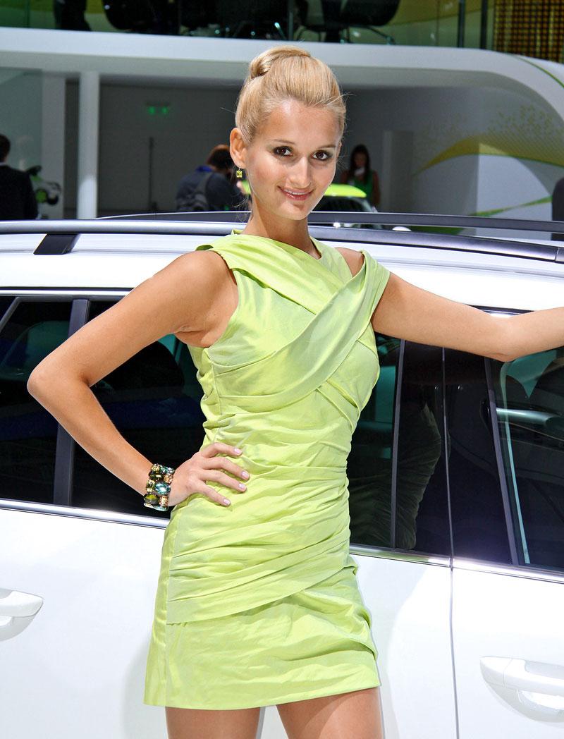 Paříž 2010: Nejhezčí modelky: - fotka 18