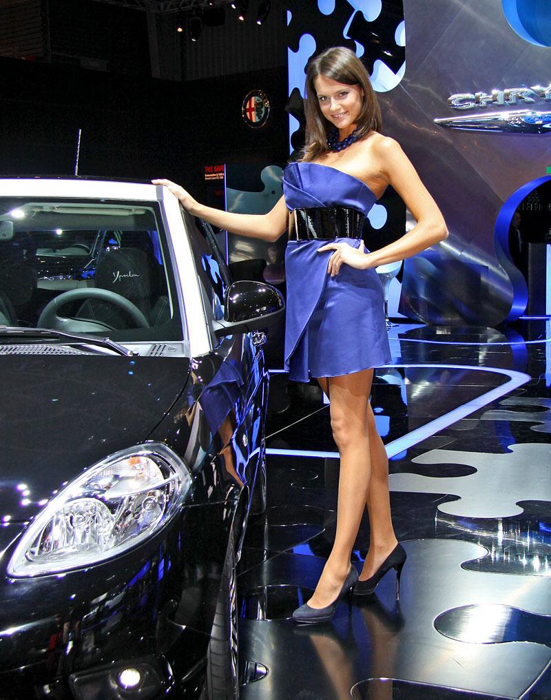 Paříž 2010: Nejhezčí modelky: - fotka 25