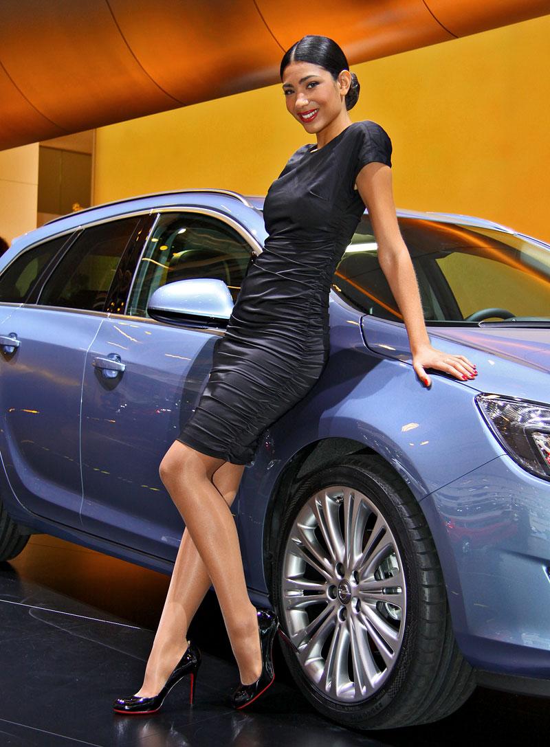 Paříž 2010: Nejhezčí modelky: - fotka 34
