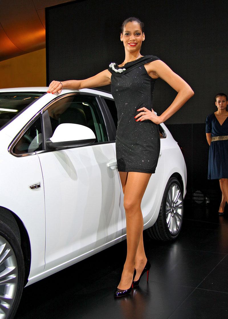 Paříž 2010: Nejhezčí modelky: - fotka 36