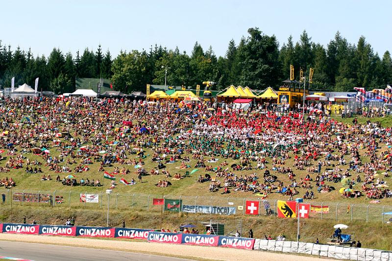 MotoGP Brno - velká fotogalerie: - fotka 46