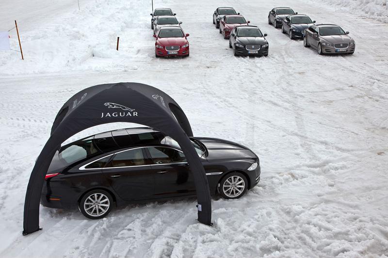 Za volantem: Jaguar XJ a XF AWD aneb Šelmy na ledě: - fotka 3