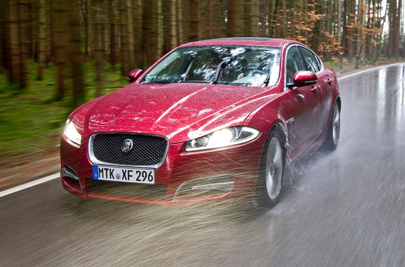 Za volantem: Jaguar XJ a XF AWD aneb Šelmy na ledě: - fotka 7