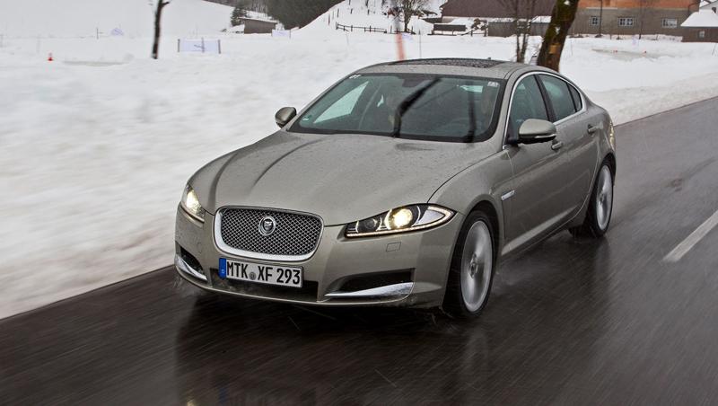 Za volantem: Jaguar XJ a XF AWD aneb Šelmy na ledě: - fotka 11