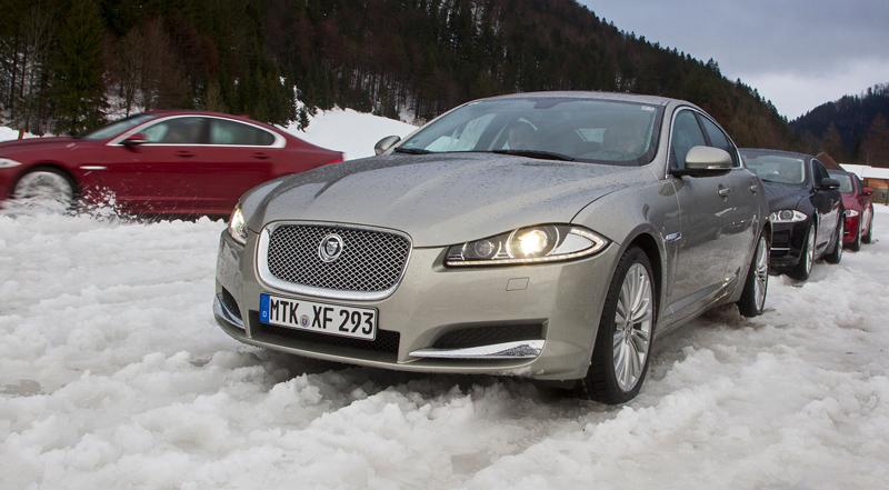 Za volantem: Jaguar XJ a XF AWD aneb Šelmy na ledě: - fotka 12
