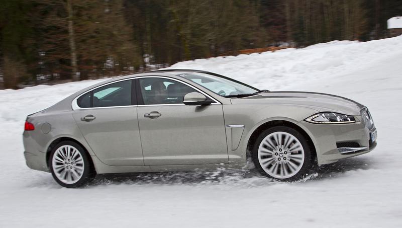 Za volantem: Jaguar XJ a XF AWD aneb Šelmy na ledě: - fotka 14