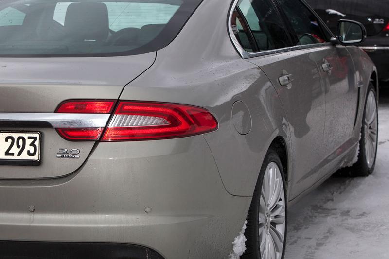 Za volantem: Jaguar XJ a XF AWD aneb Šelmy na ledě: - fotka 24