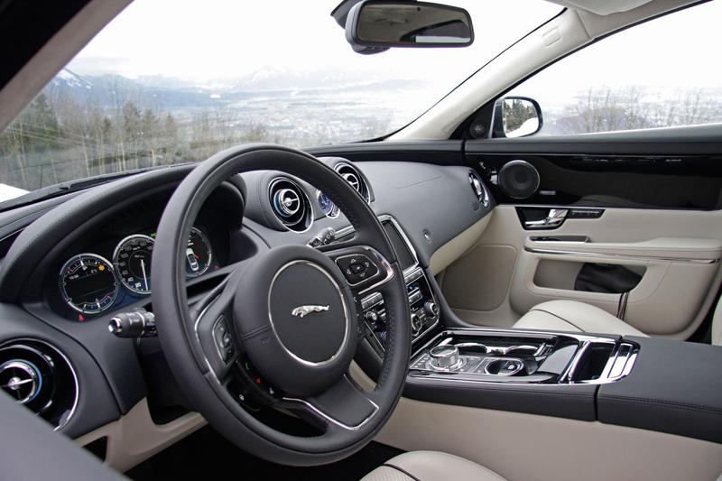 Za volantem: Jaguar XJ a XF AWD aneb Šelmy na ledě: - fotka 27