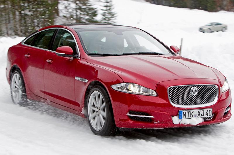 Za volantem: Jaguar XJ a XF AWD aneb Šelmy na ledě: - fotka 36
