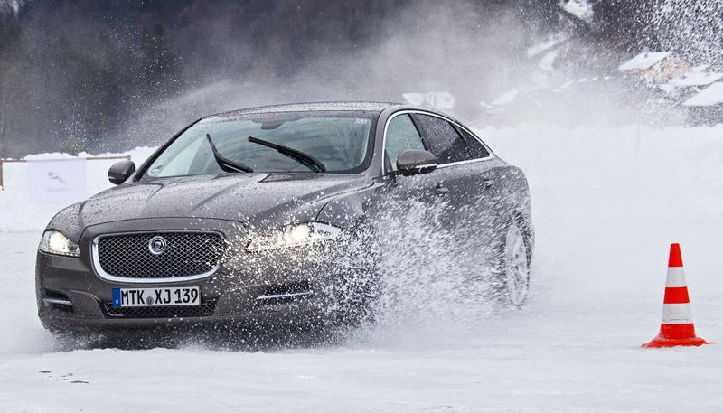 Za volantem: Jaguar XJ a XF AWD aneb Šelmy na ledě: - fotka 37