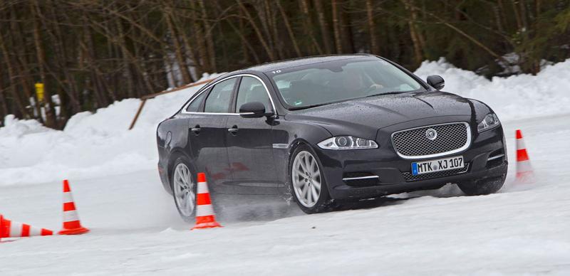 Za volantem: Jaguar XJ a XF AWD aneb Šelmy na ledě: - fotka 39