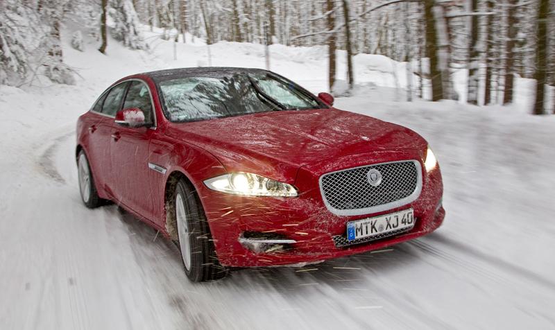 Za volantem: Jaguar XJ a XF AWD aneb Šelmy na ledě: - fotka 42