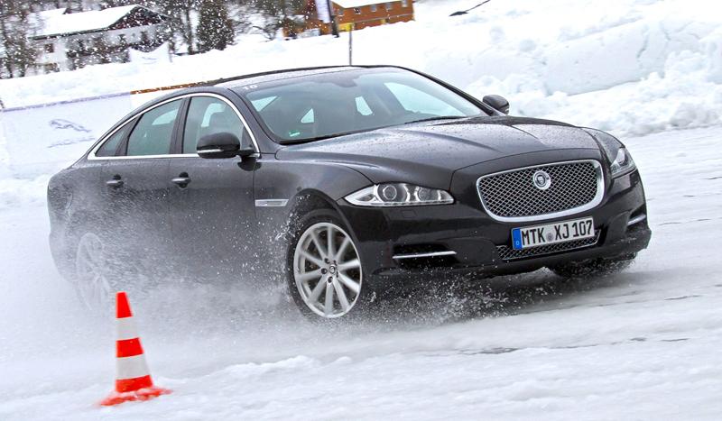 Za volantem: Jaguar XJ a XF AWD aneb Šelmy na ledě: - fotka 43