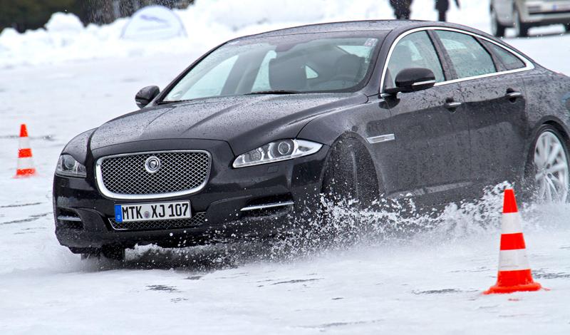 Za volantem: Jaguar XJ a XF AWD aneb Šelmy na ledě: - fotka 44