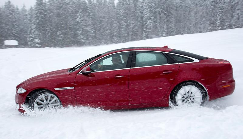 Za volantem: Jaguar XJ a XF AWD aneb Šelmy na ledě: - fotka 48