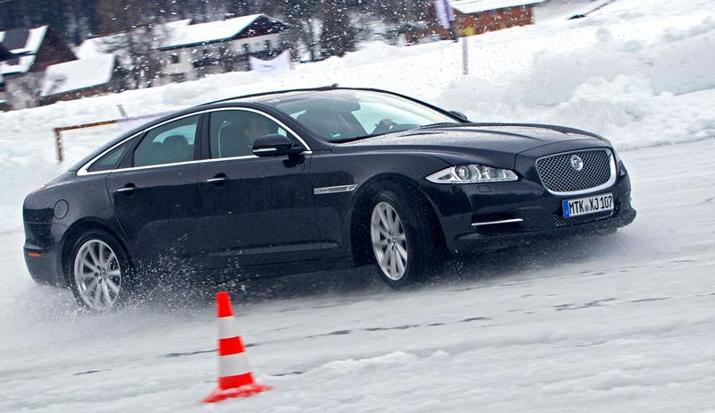 Za volantem: Jaguar XJ a XF AWD aneb Šelmy na ledě: - fotka 51