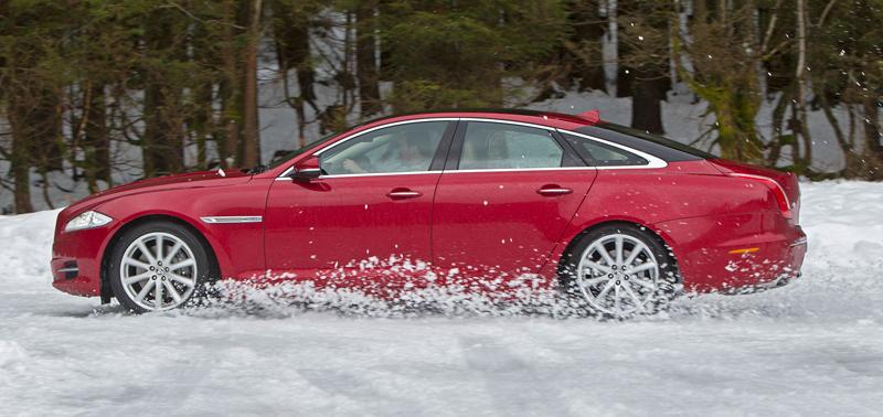 Za volantem: Jaguar XJ a XF AWD aneb Šelmy na ledě: - fotka 52