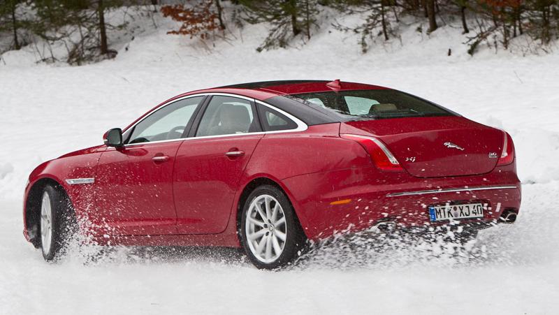 Za volantem: Jaguar XJ a XF AWD aneb Šelmy na ledě: - fotka 57