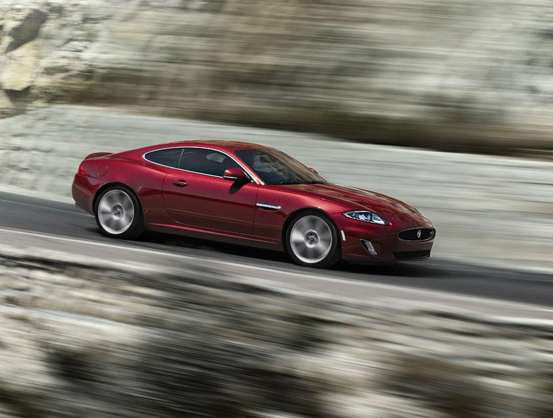 Jaguar XK: facelift ve stylu XKR-S: - fotka 11
