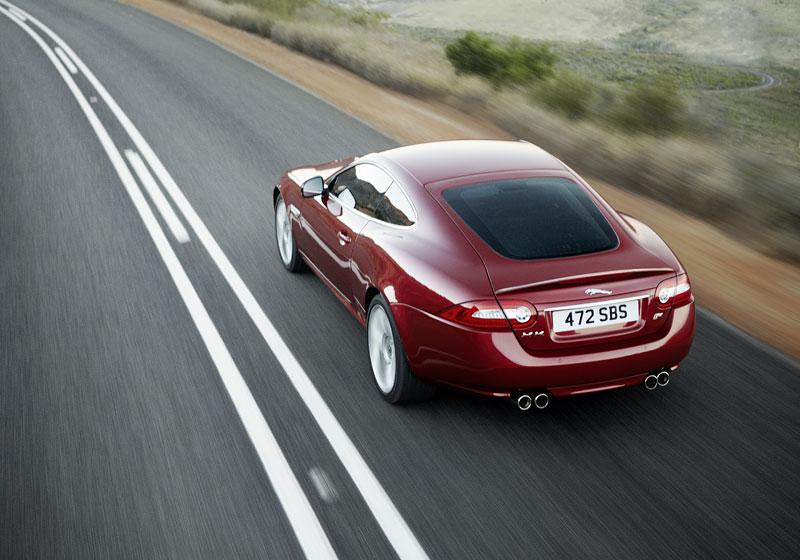 Jaguar XK: facelift ve stylu XKR-S: - fotka 12