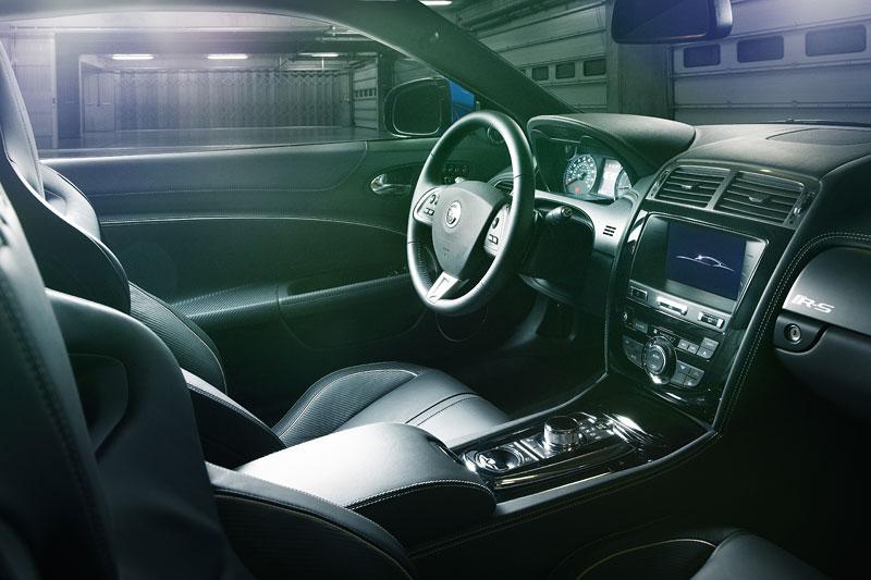 Jaguar XK: facelift ve stylu XKR-S: - fotka 13